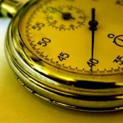жёлтый секундомер